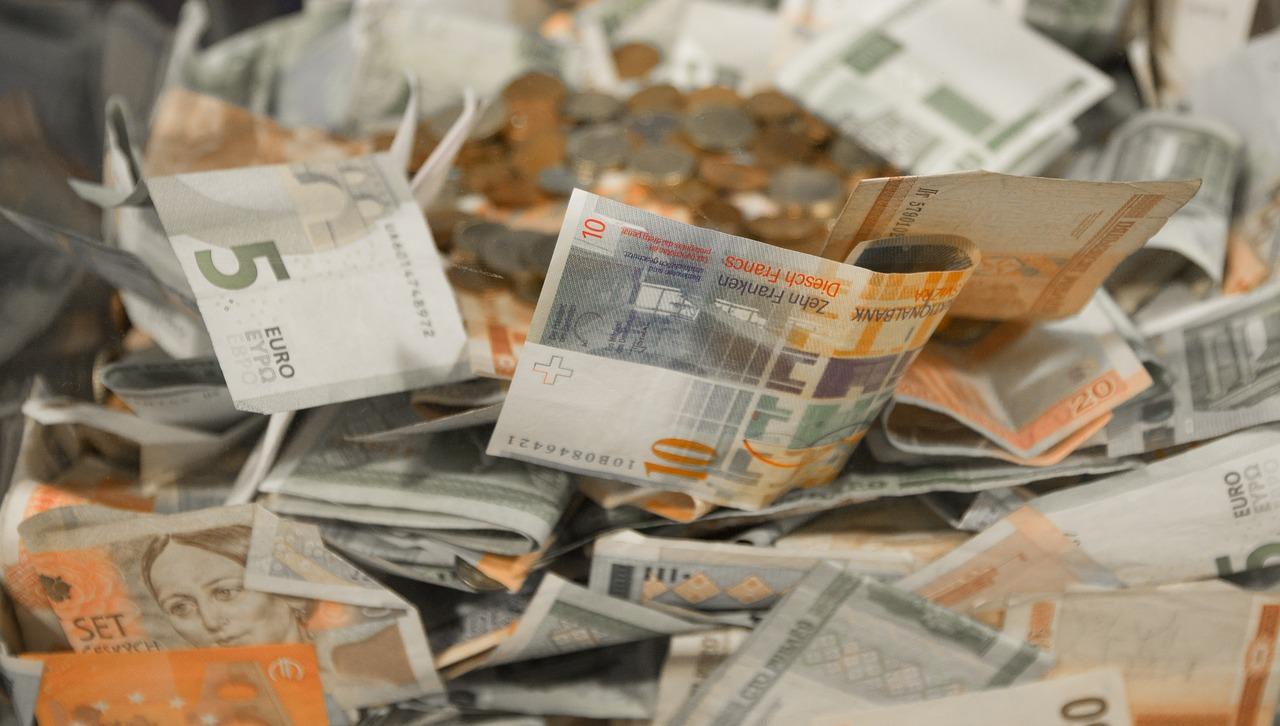 money-2165758_1280